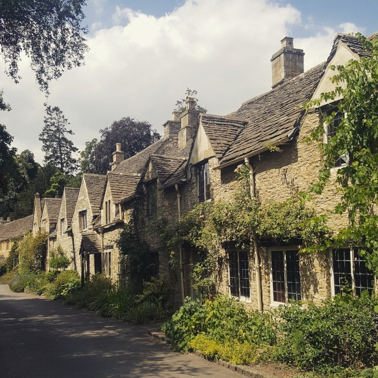 Charming Cotswolds cottages in Castle Combe