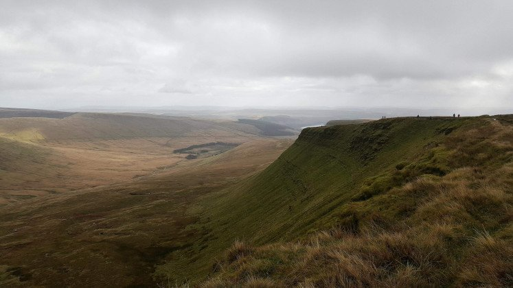 View of Graig Fan Ddu Ridge and Neuadd valley during Horseshoe Ridge hike